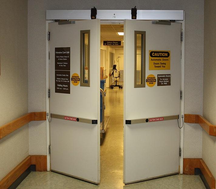 Cửa mở tự động bệnh viện