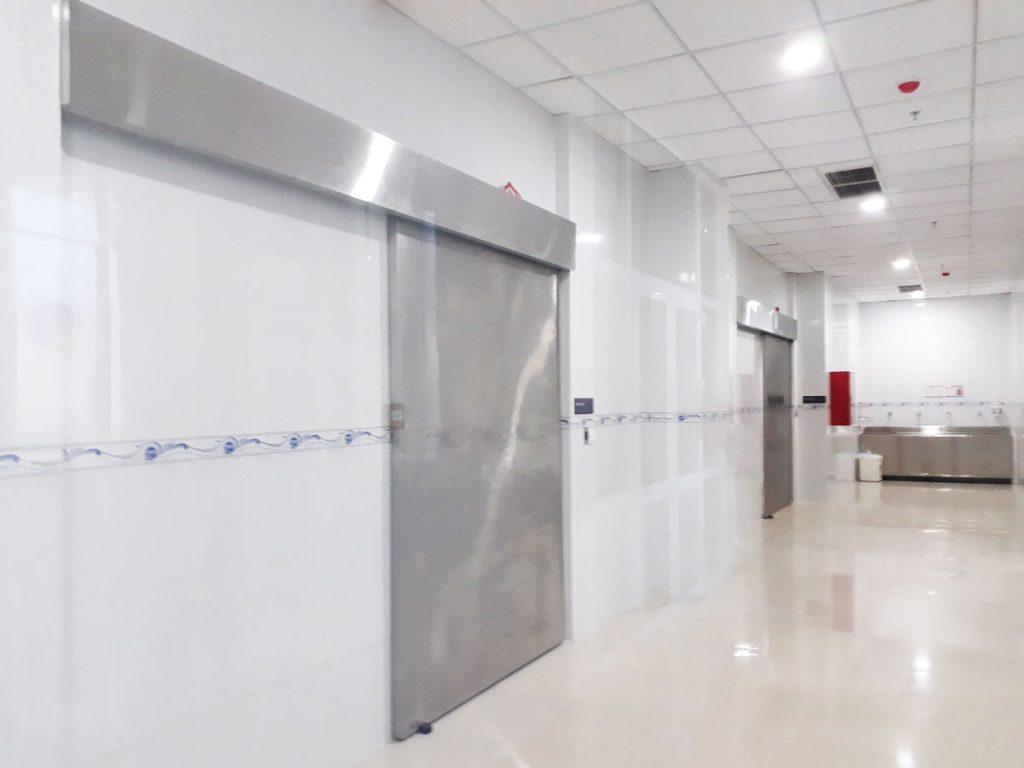 Cửa bệnh viện 00112
