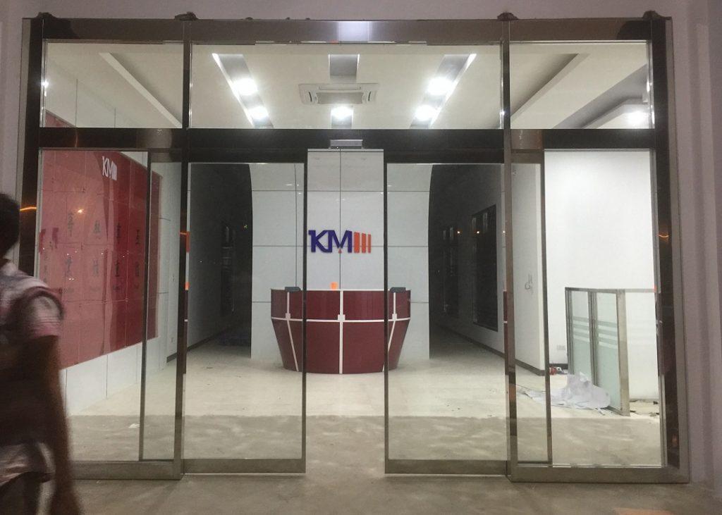 Cửa kính INOX gương tự động 1112