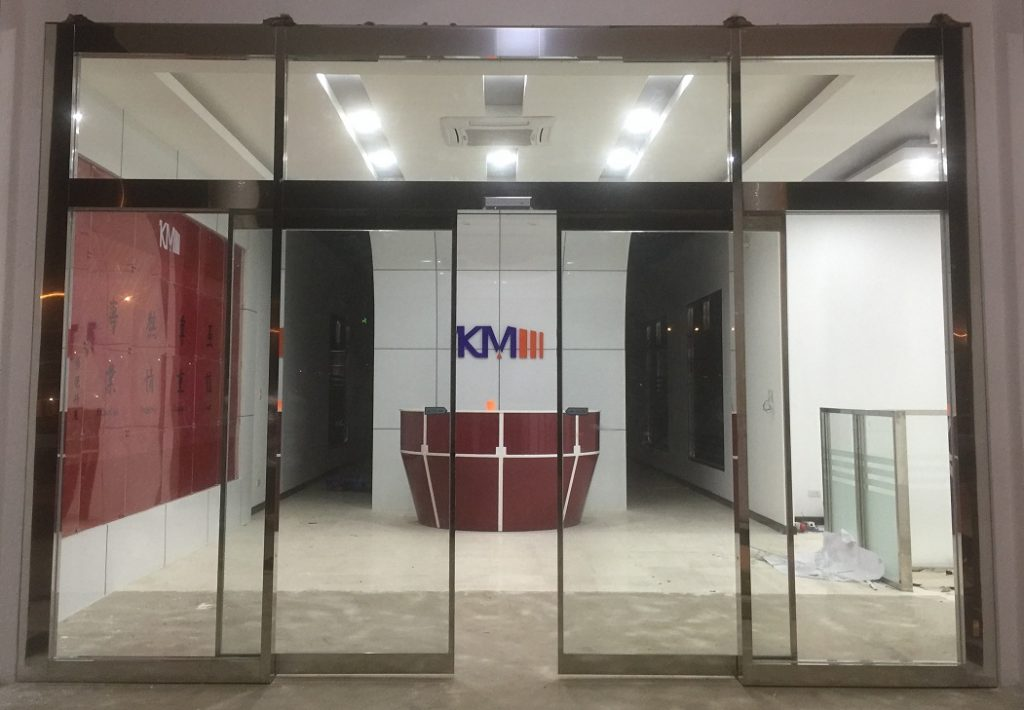 Cửa kính INOX gương tự động 1113