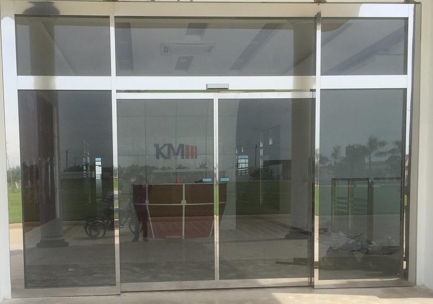 Cửa kính INOX gương tự động 1118
