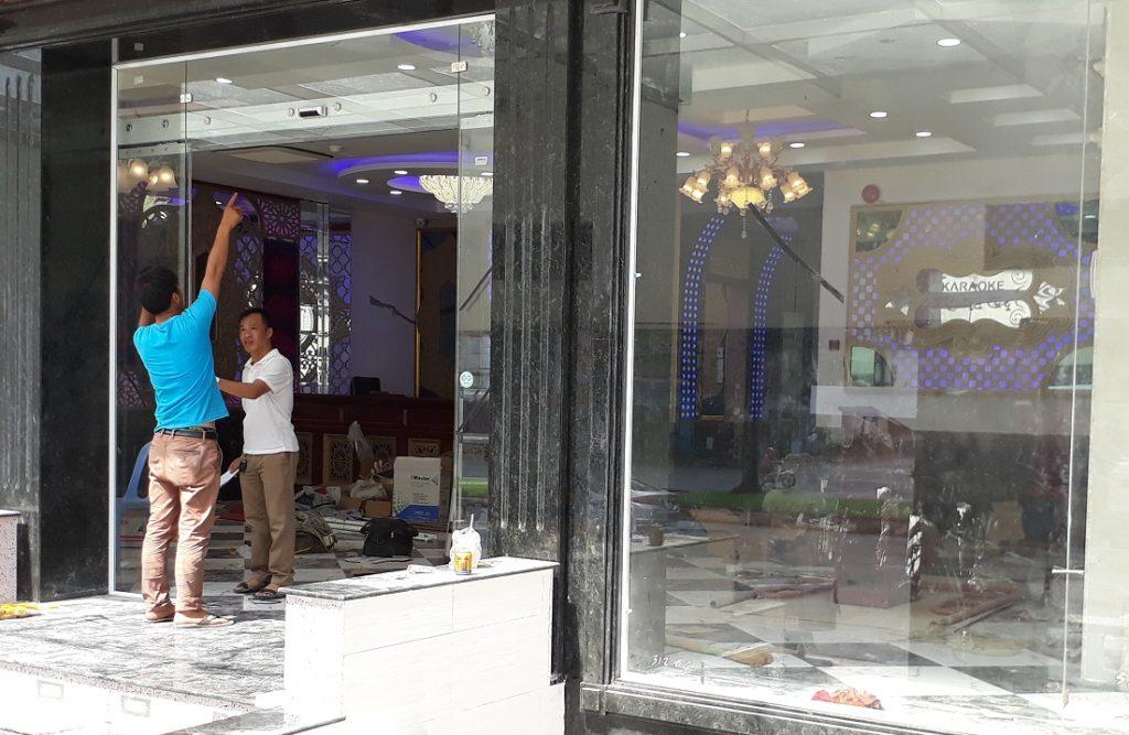 Cửa tự động KTH K-2 - Khách sạn Phúc Lộc thọ 0011